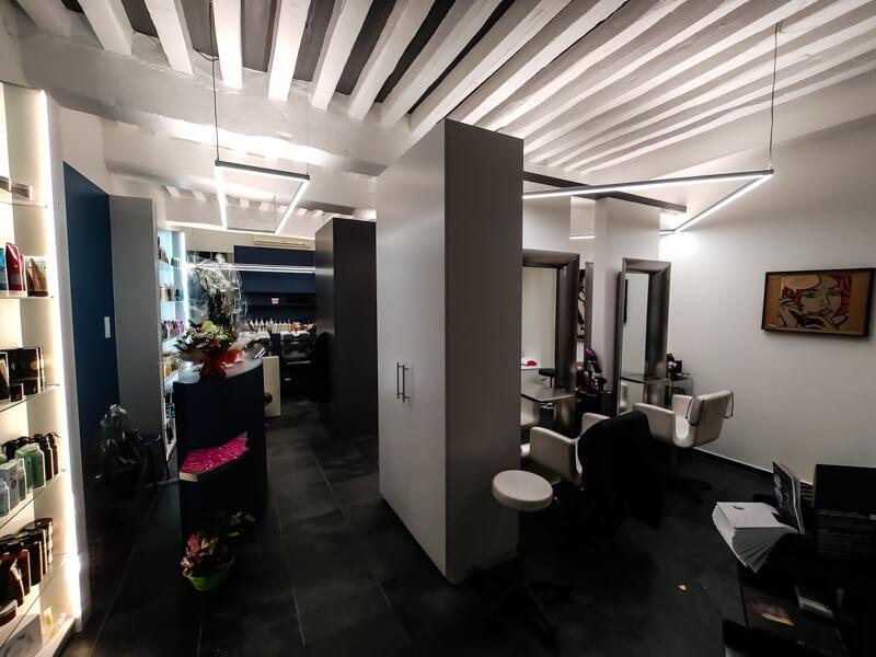 Éclairage du salon de coiffure A'Nat, Moulins - Crédit photo : JB Henriot
